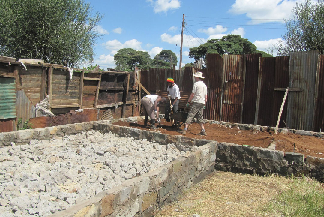 Kenya 2013 : Starting to look like a building now
