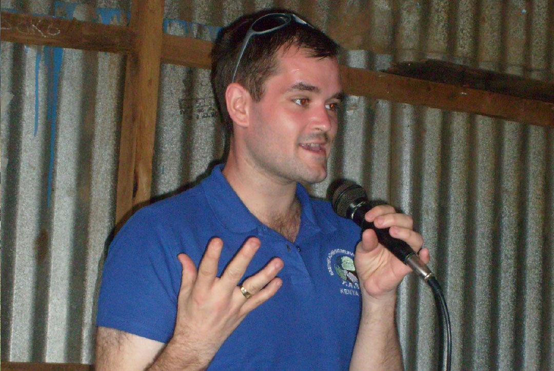 Kenya 2013 : Mikey, one of the volunteers conquering his fear of public speaking