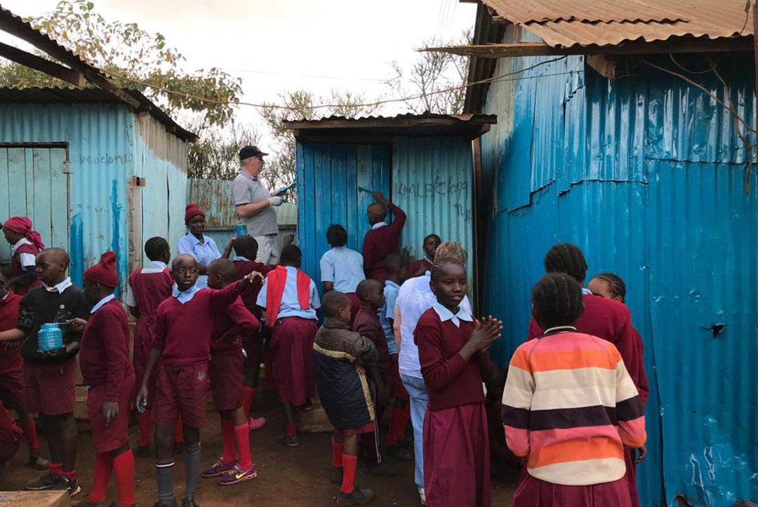 2019-Kenya-01-All-of-the-children-getting-involved