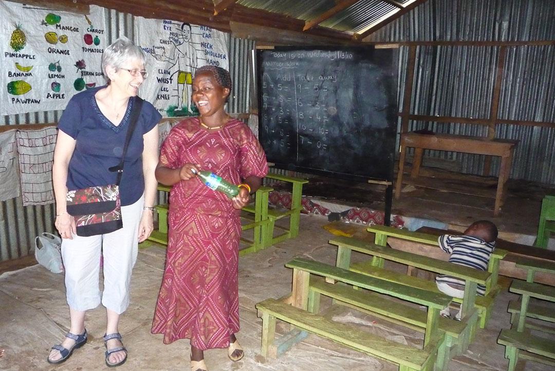 Kenya 2010 : Having a laugh in class
