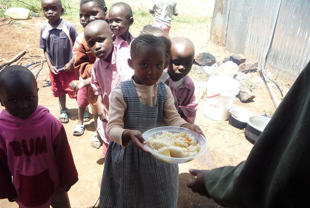 Kenya 2010 : Waiting in line