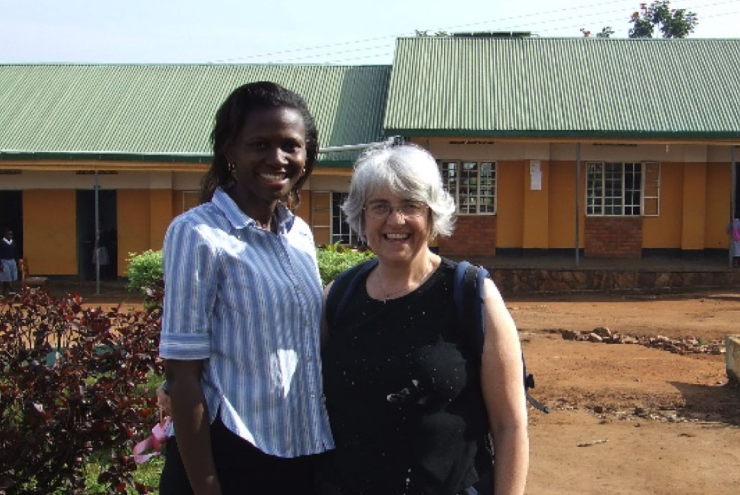 Uganda 2008 : Rachel with one of the school project managers