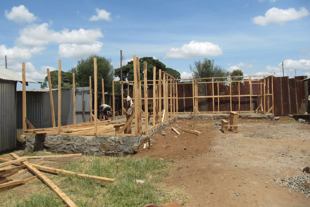 Kenya 2013 : Walls are going up