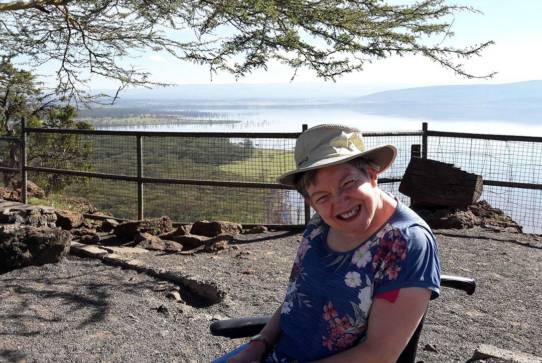 Kenya 2017 : Alison, chilling by the lake